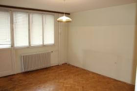 Na prodaju dvoiposoban stan #13246